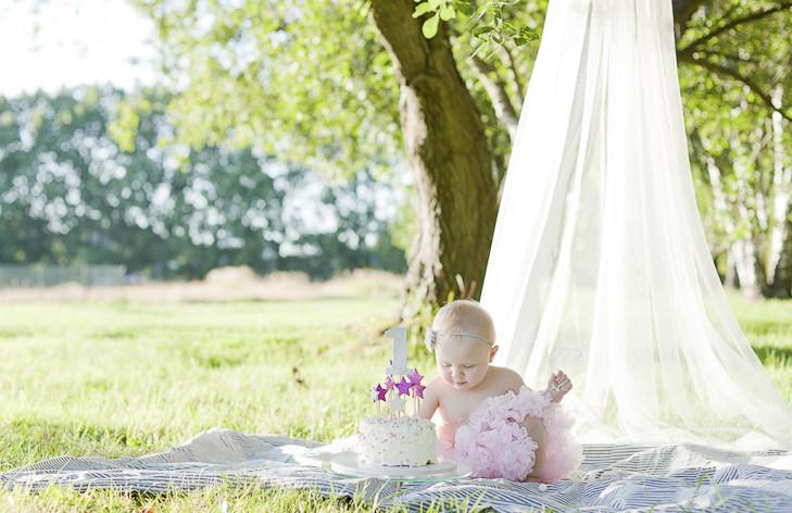 bebis fotograf Göteborg, bebisfotografering, bebis fotografering, nyföddfotografering, nyfödd fotografering, cake smash, ettårspresent,  Kungsbacka, Varberg, Marstrand, Uddevalla, Fjällbacka, Wedding Photographer Gothenburg